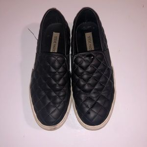 Steve Madden quilted shoes. Size 8